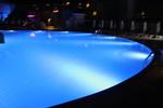 фирма за изграждане на подводно осветление за басейни