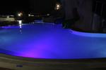 поставяне на осветление по поръчка в басейн